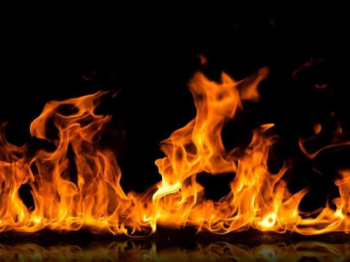 Navarang Studio Fire: Filed Against Owner | नवरंग स्टुडिओ आग : मालकाविरोधात गुन्हा दाखल