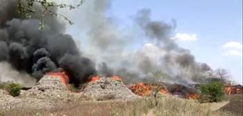 Dumping yard at Bhandewadi in Nagpur on fire again   नागपूरच्या भांडेवाडीतील डम्पिंग यार्डला पुन्हा आग