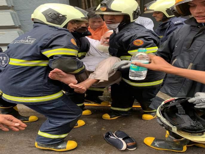 one dead and one injured in colaba churchil chamber building fire   कुलाबा येथे लागलेल्याआगीत एकाचा मृत्यू
