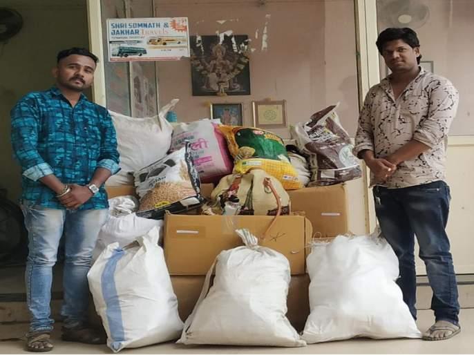 Social media useful to help flood victims | पूरग्रस्तांच्या मदतीसाठी सोशल मीडियाची खंबीर साथ