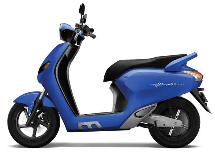 Auto Expo 2018 Twenty Two Motors launches India's First AI-enabled, Cloud-Connected Scooter FLOW | Auto Expo 2018: चोरांनाही चकवा देणारी स्मार्ट इलेक्ट्रिक स्कूटर FLOW लाँच