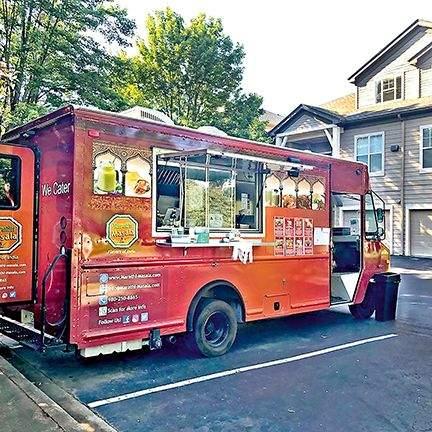 Food truck allowed in Mumbai nightlife | मुंबईच्या नाइटलाइफमध्ये फूड ट्रकला परवानगी