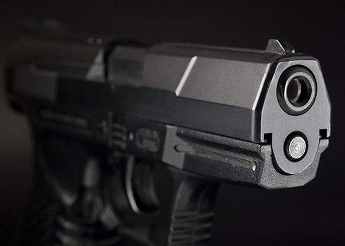 Foreign-made pistol seized from youth   युवकाकडून विदेशी बनावटीची पिस्तुल जप्त