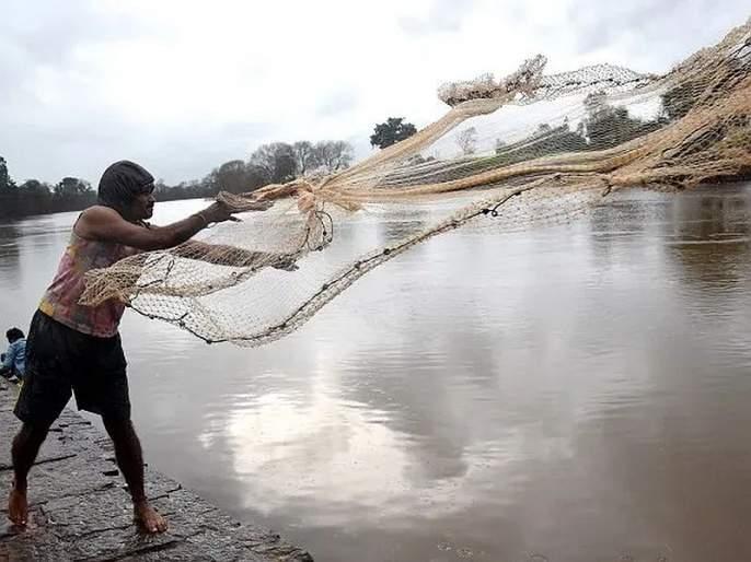 What about the fishermen's compensation? | मच्छीमारांच्या भरपाईचे काय?