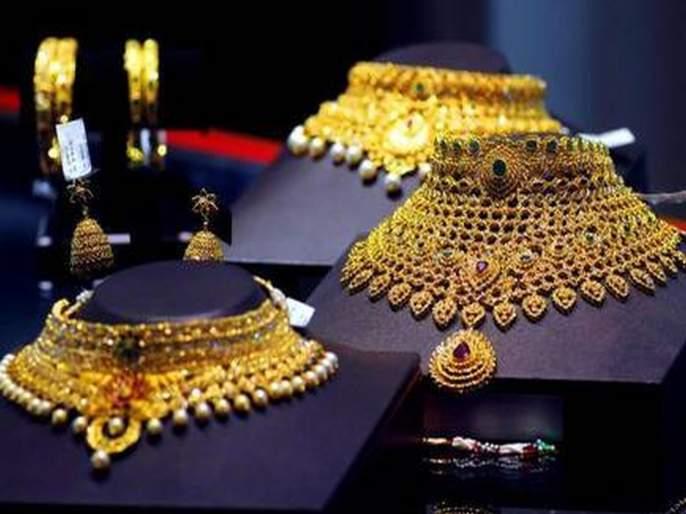Gold shines as soon as Navratri, Dussehra overs; 1600 increase in silver | Gold and Silver Price: नवरात्री, दसरा सरताच सोने चमकले; चांदीत 1600 रुपयांची वाढ
