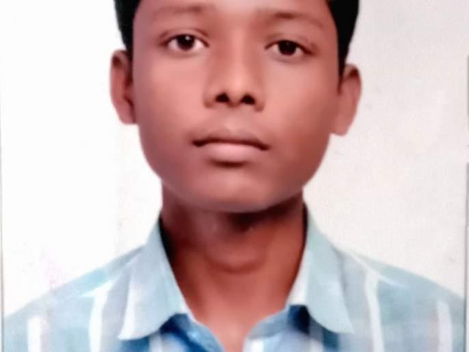 Meet Ramprasad and come to know how he hitting medical? | फुटाणे विकून मेडिकलपर्यंत धडक मारणाऱ्या रामप्रसादला भेटा..