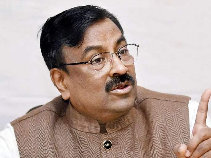 The party also has to be self-reliant : Sudhir Mungativar | पक्षही आत्मनिर्भर करावा लागेल; नेत्यांच्या आयातीवर सुधीर मुनगंटीवारांचे मत
