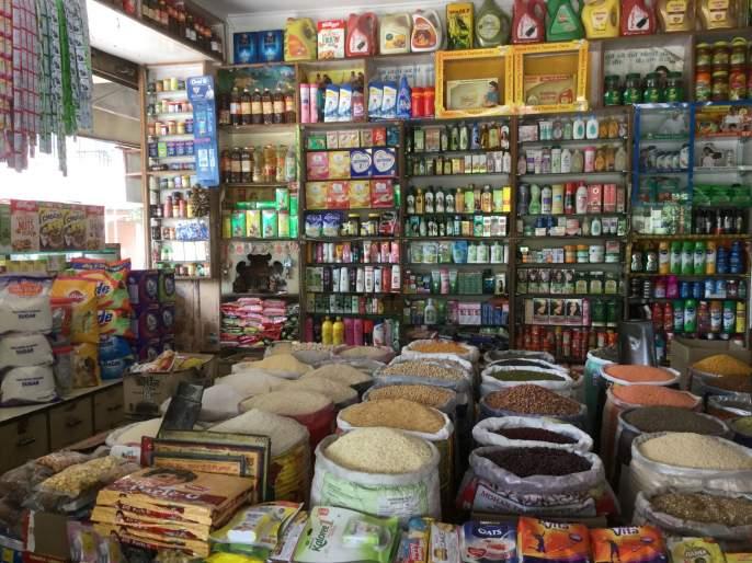 Looting under the name of Corona; Other items including groceries at inflated prices | कोरोनाच्या नावाखाली लुटालूट; किराणा मालासह अन्य वस्तू चढ्या भावाने