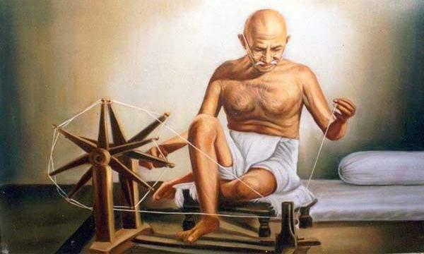 Good days for Khadi only if you listen to Mahatma Gandhi | महात्मा गांधीजींचे ऐकले तरच खादीला चांगले दिवस