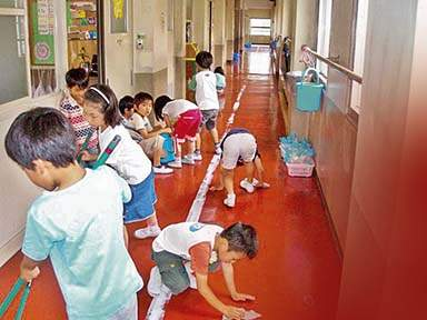 Children's extraordinary efforts to reduce garbage and save environment   'नो' कचरा!