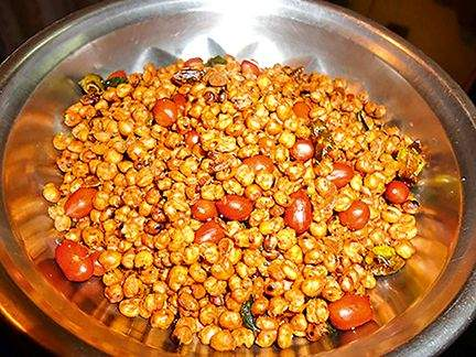 Wheat Chivada.. Very easy if you try   गव्हाचा चिवडा केला तर जमतो!