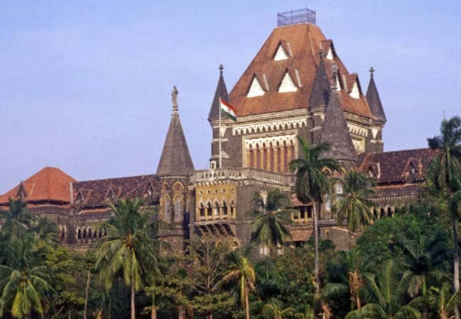 If there is a crowd, no hearing; High Court warn to lawyer, parties | गर्दी केली तर सुनावणी घेणार नाही;उच्च न्यायालयाची वकील, पक्षकारांना तंबी