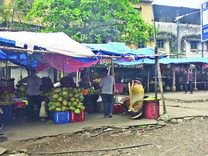 Municipal failure to remove unauthorized market in Ghansoli | घणसोलीतील अनधिकृत मार्केट हटवण्यात पालिका अपयशी