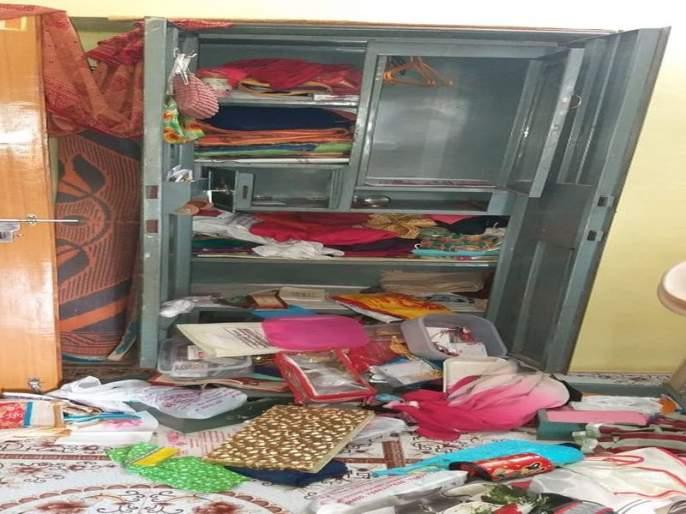 four house break in wadgaon city ; fear in citizens   वडगाव शहरात एका रात्रीत सात घरफाेड्या ; परिसरात घबराट