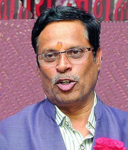 Girish Vyas claims Maha Vikas Aghadi Government will collapse in six months | सहा महिन्यात महाविकासआघाडीचे सरकार कोसळेल : गिरीश व्यास यांचा दावा