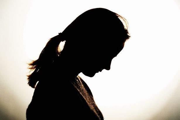 ... Finally, the Minister for Women and Child Development gave 'justice' to the young woman; Crime of molestation on youth | ...अखेर महिला व बालविकास मंत्र्यांकडे तक्रार केल्यानंतर तरुणीला मिळाला 'न्याय';विनयभंगाचा गुन्हा दाखल
