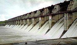 Erandol water questionnaire due to depleted water storage | गिरणेच्या पाणीसाठ्यामुळे एरंडोलचा पाणीप्रश्न मार्गी