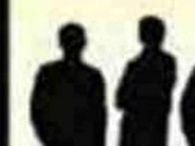 Two goons from Akola district were deported for two years | अकोला जिल्ह्यातील दोन गुंड दोन वर्षांसाठी हद्दपार