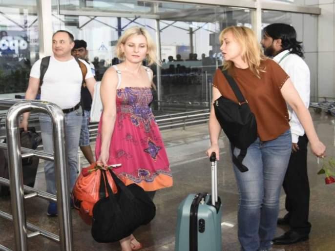 Goa relize on Russian tourists in Present of Britishers | रशियातून येणाऱ्यापर्यटकांवरच गोव्यातील यंदाच्या पर्यटन हंगामाचे भवितव्य ठरणार