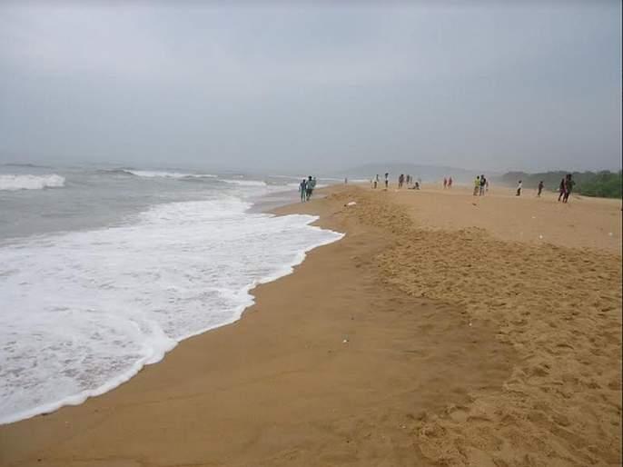 In the rainy season, business in the coastal areas down in goa | पावसाळ्यात किनारी भागातील व्यवसाय थंडावला