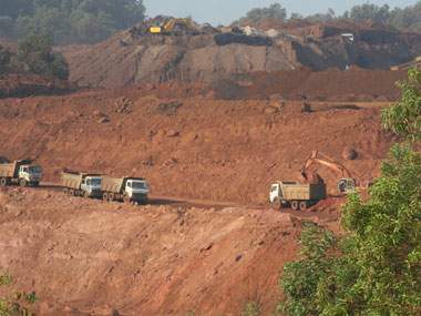 Goa MP's hiding on mining issue | खाणप्रश्नी खासदारांवर लपून राहण्याची वेळ