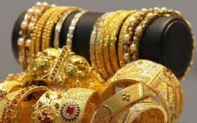 Doctor wife's complains of jewelry theft against husband | डॉक्टर पत्नीची पती विरोधात दागिने चोरीची तक्रार