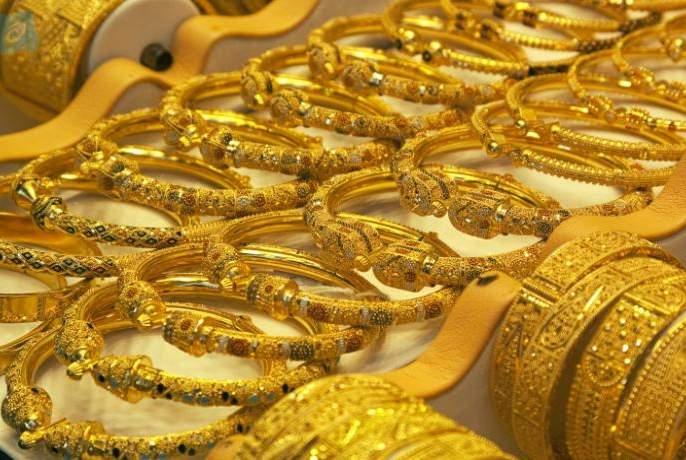 Maharashtra Lockdown: Gudipadva loses gold market for second year   Maharashtra Lockdown : दुसऱ्या वर्षीही गुढीपाडव्याला,सुवर्णबाजारावर लॉकडाऊनचे सावट