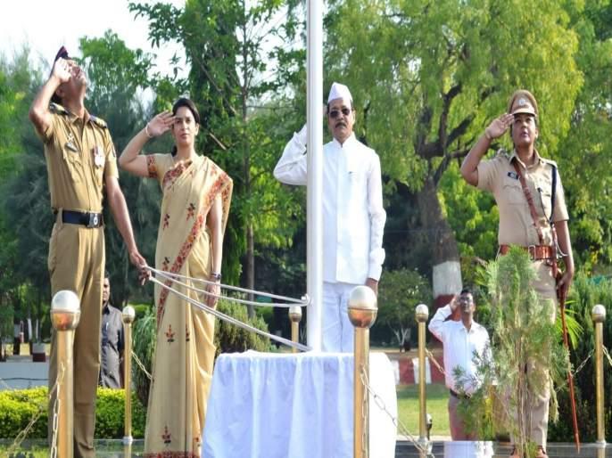 Maharashtra's contribution to the development of the country is important - Guardian Minister Rajkumar Badole | देशाच्या विकासात महाराष्ट्राचे योगदान महत्वपूर्ण - पालकमंत्री राजकुमार बडोले