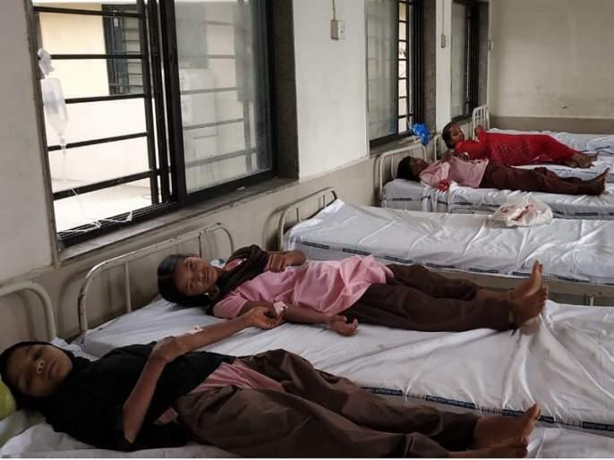 Studenti che soffrono di nausea, vomito dopo il vaccino GOVER-RUBLA in Akhada Balapur  Gli studenti che soffrono di vaccino GOVER-RUBLA in Akhada Balapur hanno nausea, vomito