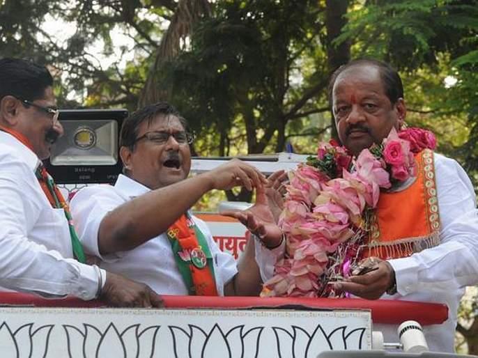 Dismiss 'that' MP and state government, BJP MP demands after protest of CAA | 'त्या' खासदार अन् राज्य सरकारला बरखास्त करा, भाजपा खासदाराची मागणी