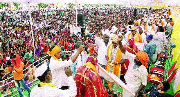 Shubhamangal of 41 couples in Nanded | नांदेडात ४१ जोडप्यांचे शुभमंगल