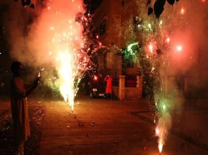 Fireworks in cities with poor air quality; State Government informs High Court | हवेची गुणवत्ता खराब असलेल्या शहरांत फटाकेबंदी; राज्य सरकारची उच्च न्यायालयाला माहिती