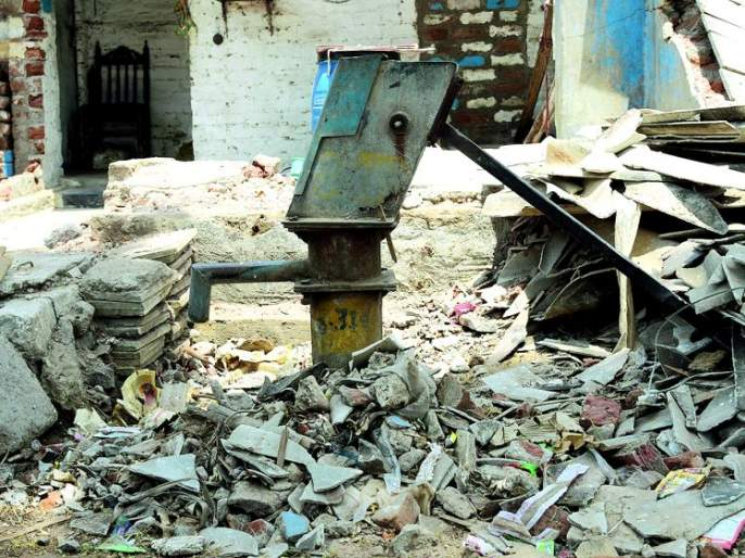 Hundreds of handpumps not in work: Nagpur Municipal administration ignored | शेकडो हॅन्डपंप नादुरुस्त : नागपूर महापालिका प्रशासनाचे दुर्लक्ष