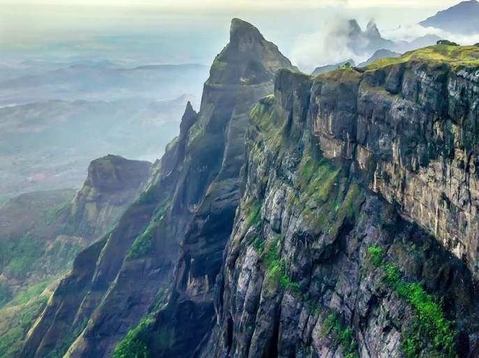 Harishchandra Gad: Nashik mountaineer rushed to help Sawant Trekkers group | हरिश्चंद्र गड : सावंत ट्रेकर्स ग्रूपच्या मदतीला धावले नाशिकचे गिर्यारोहक