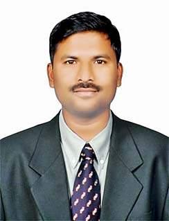 Harshal Bhosale, a young man from small village tops UPSC | तांडोर गावचा हर्षल युपीएससी टॉप करतो तेव्हा.