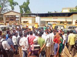 Trains will not be allowed to pass through Mangaon | माणगावमधून रेल्वे जाऊ देणार नाही