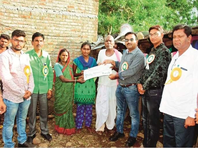 tribe students have been adopted by 'Aadharwad'; MBBS admission confirmed   'आधारवड'च्या मदतीने ऊसतोड कामगारांच्या मुलांचा 'एमबीबीएस'प्रवेश पक्का