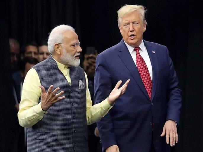 houston howdy begins with reference of mahatma gandhi and pandit neharu in front of narendra modi | कसे आहात मोदी? अमेरिकेतील 'हाऊडी' कार्यक्रमात मोदींसमोरच नेहरुंचं कौतुक