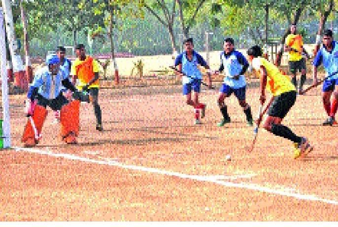Hockey champions Devgiri, Islampur's victorious opening-eleven team participated | हॉकी स्पर्धेत देवगिरी, इस्लामपूरची विजयी सलामी-अकरा संघ सहभागी