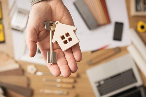 Relief to home buyers; House prices will fall by five to seven per cent   गृहखरेदीदारांना दिलासा; घरांच्या किमती पाच ते सात टक्क्यांनी होणार कमी