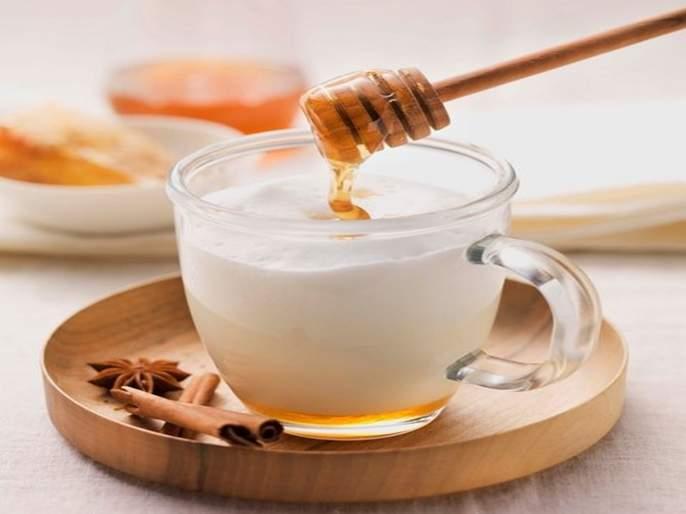 Honey milk benefits mix honey in hot milk and get these health benefit   गरम दुधात मध टाकून प्यायल्याने होतात फायदेच फायदे