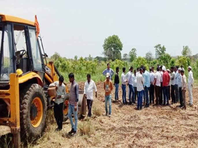 Farmers prevented the work of illegal Hindustan Petroleum Air pipeline in Shirur taluka | शिरुर तालुक्यात बेकायदेशीर हिंदुस्थान पेट्रोलियम वायुवाहिनीचे काम शेतक-यांनी रोखले
