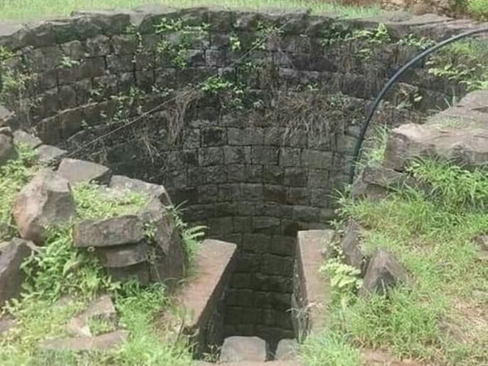 The bodies of two children, including a mother, were found in the well; Shocking incident in Jalgaon | विहिरीत आढळलाआईसह दोन लेकरांचा मृतदेह; जळगावमधील धक्कादायक घटना