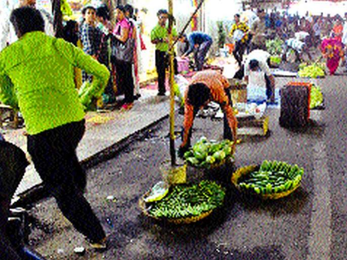 Implement a policy rather than action on hawkers   कारवाईपेक्षा फेरीवाला धोरण राबवा