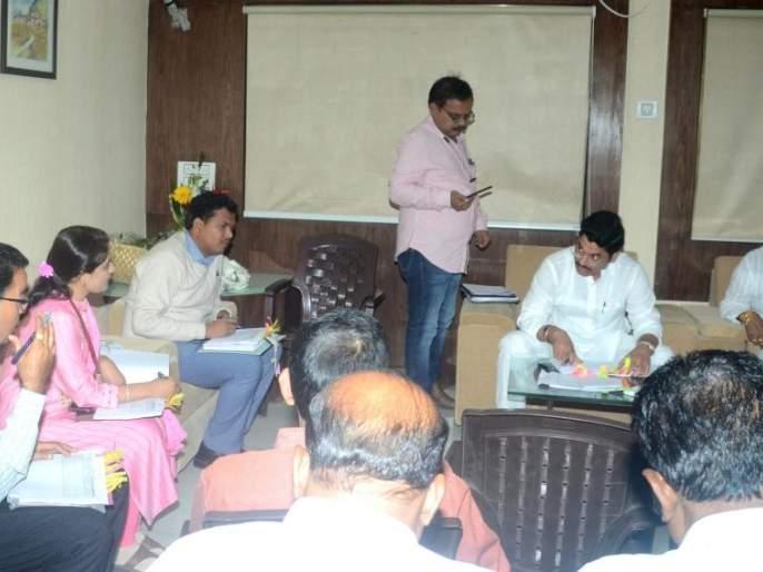 Regularly inspect the hostels, schools of the social welfare department - Dhananjay Munde | समाजकल्याण विभागाच्या वसतिगृह, शाळांची नियमित तपासणी करा -धनंजय मुंडे