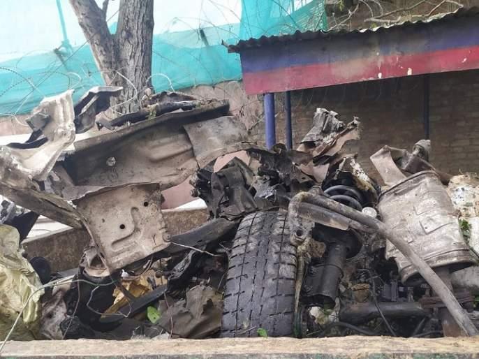 A major incident of a vehicle-borne IED blast averted by the timely input and action by Pulwama rkp | पुलवामासारख्या दहशतवादी हल्ल्याचा कट उधळला; जवानांनी वेळेत कारमधील IED केलं डिफ्यूज