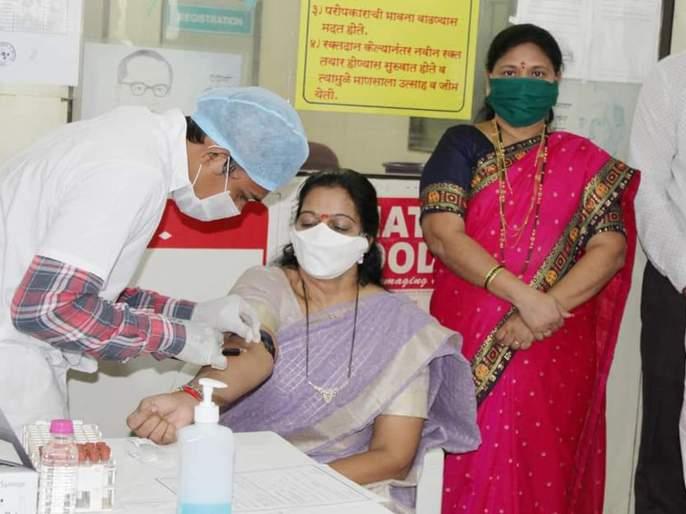 Coronation-free MLA Geeta Jain donated plasma   कोरोनामुक्त झालेल्या आमदार गीता जैन यांनी केले प्लाझ्मा दान