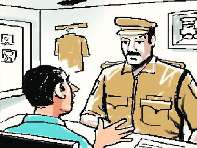 Two thousand people in police custody in the district | जिल्ह्यातील दोन हजार जण पोलिसांच्या नजरकैदेत