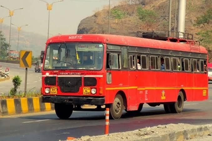 Bus laps | बसअभावी विद्यार्थ्यांची पायपीट