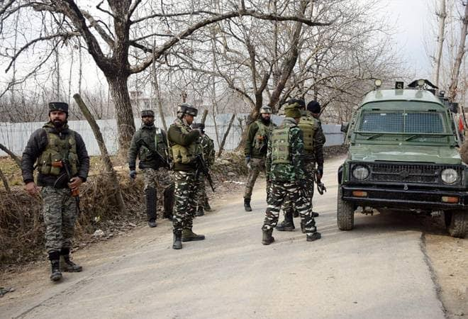 Vajpayee's government released it as a 'terrorist' Mastermind of Anantnag attack | वाजपेयी सरकारने सोडलेला 'तो' दहशतवादी ठरला अनंतनाग हल्ल्याचा मास्टरमाईंड